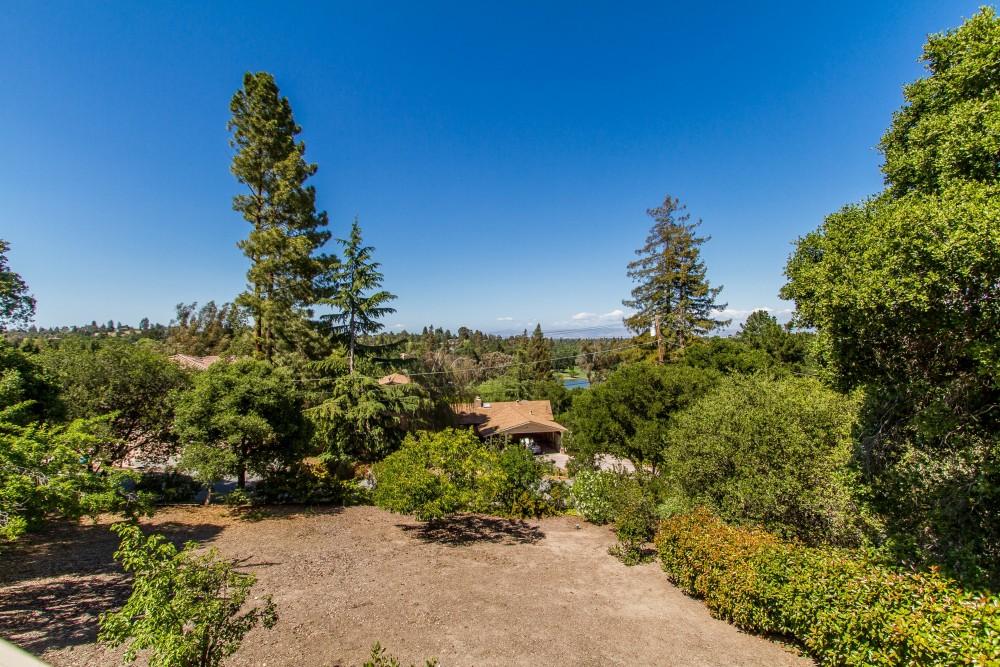 1563 Plateau Avenue, Los Altos